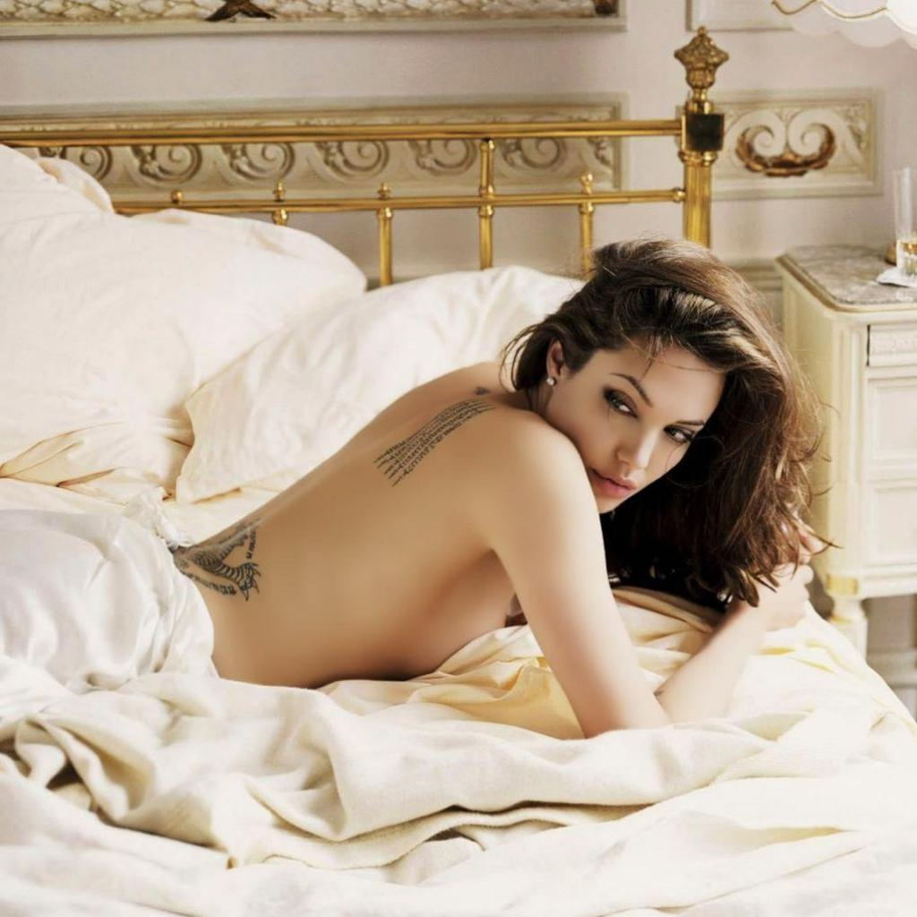 Actress angelina jolie hot hq wallpapers pictures
